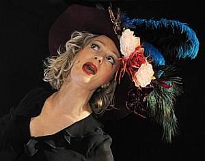 Anita Covelli - Chanteuse et Comédienne